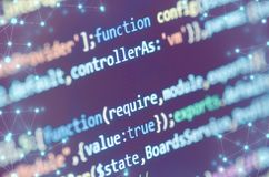 Κώδικας στη οθόνη υπολογιστή με το αφηρημένο δίκτυο σύνδεσης Στοκ Εικόνα