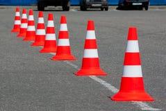 Κώνοι κυκλοφορίας στο δρόμο Στοκ Εικόνες