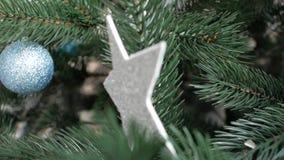 Κώνοι χριστουγεννιάτικων δέντρων διακοσμήσεων Χριστουγέννων φιλμ μικρού μήκους