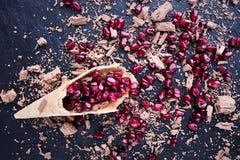 Κώνος με το ρόδι και τη σοκολάτα Στοκ Εικόνες