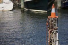 Κώνος σε έναν πόλο Στοκ φωτογραφία με δικαίωμα ελεύθερης χρήσης