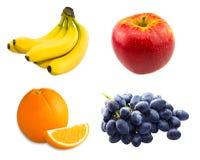 Κλάδος των μπλε σταφυλιών, κίτρινες μπανάνες, φρέσκες στοκ εικόνα