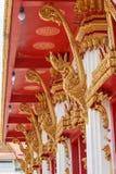 Κλίμακες του αγάλματος Naga στα λείψανα του μπροστινού Βούδα εισόδων Στοκ εικόνες με δικαίωμα ελεύθερης χρήσης