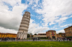 κλίνοντας πύργος της Πίζας στοκ εικόνα με δικαίωμα ελεύθερης χρήσης