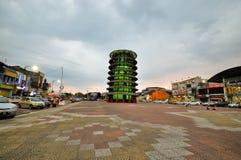 Κλίνοντας πύργος Teluk Intan στο σούρουπο Στοκ Φωτογραφίες