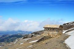 Κλίση άνοιξη ενός βουνού Veleta στην ανδαλουσιακή οροσειρά Νεβάδα Στοκ εικόνα με δικαίωμα ελεύθερης χρήσης
