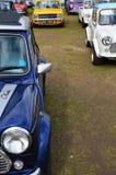 Κλασικά μίνι αυτοκίνητα στο μίνι γεγονός ημέρας Brooklands του 2017 Στοκ Εικόνες