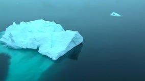 Κλασικός επιπλέων πάγος πάγου στην Ανταρκτική φιλμ μικρού μήκους