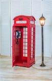 Κλασικός κόκκινος τηλεφωνικός θάλαμος Στοκ Εικόνα
