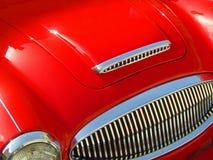 Κλασικό αθλητικό αυτοκίνητο κοκκίνου & χρωμίου Στοκ εικόνες με δικαίωμα ελεύθερης χρήσης