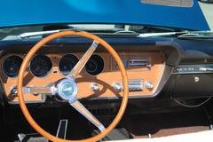 Κλασικό αμερικανικό εσωτερικό αυτοκινήτων Στοκ εικόνα με δικαίωμα ελεύθερης χρήσης