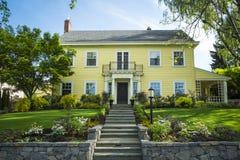 Κλασικό αμερικανικό προαστιακό σπίτι Στοκ Εικόνα