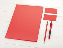 Κλασικό κόκκινο εταιρικό σχέδιο προτύπων ταυτότητας Επιχειρησιακός σταθμός Στοκ εικόνα με δικαίωμα ελεύθερης χρήσης