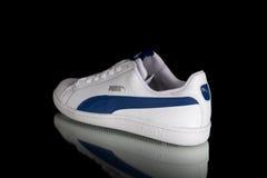 Κλασικό πάνινο παπούτσι Puma Στοκ εικόνα με δικαίωμα ελεύθερης χρήσης