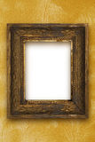 Κλασικό παλαιό ξύλινο πλαίσιο εικόνων που χαράζεται με το χέρι τη χρυσή ταπετσαρία Στοκ Εικόνες