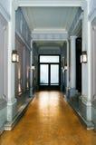 Κλασικό φουαγιέ σε ένα εκλεκτής ποιότητας σπίτι Στοκ Φωτογραφίες