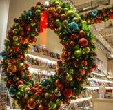 Κλασσική διακοσμητική κινηματογράφηση σε πρώτο πλάνο σχεδίου στοιχείων Χριστουγέννων Στοκ Φωτογραφία