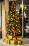Κλασσική διακοσμητική κινηματογράφηση σε πρώτο πλάνο σχεδίου στοιχείων Χριστουγέννων Στοκ φωτογραφίες με δικαίωμα ελεύθερης χρήσης