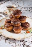 Κλασσικός χρόνος τσαγιού με muffins Στοκ Φωτογραφίες