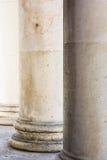 κλασσικό μάρμαρο στηλών Στοκ φωτογραφία με δικαίωμα ελεύθερης χρήσης