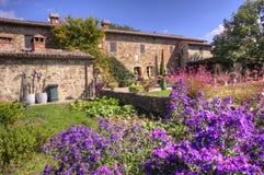 Κλασσικό Tuscan εξοχικό σπίτι Στοκ Εικόνες