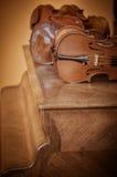 Κλείστε αυξημένος των βιολιών στοκ φωτογραφία