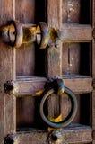 Κλείστε επάνω μιας παλαιάς ξύλινης πόρτας Στοκ φωτογραφία με δικαίωμα ελεύθερης χρήσης