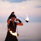 Κλείστε επάνω μιας περιστρεφόμενης πυρκαγιάς POI ατόμων Στοκ φωτογραφία με δικαίωμα ελεύθερης χρήσης