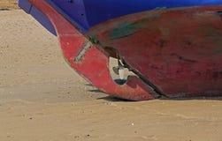 Κλείστε επάνω μπλε sailboat και του προωστήρα Στοκ Εικόνες