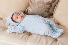Κλείστε επάνω νέου - γεννημένο μικτό μωρό φυλών Ασιατικός και βρετανικός νέος - γεννημένο μωρό Στοκ Εικόνα