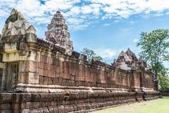 Κλείστε επάνω, οι εξωτερικοί τοίχοι Prasat Sadok Kok Thom στην Ταϊλάνδη Στοκ Φωτογραφίες