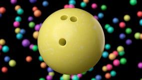 Κλείστε επάνω σε μια φωτεινή κίτρινη σφαίρα μπόουλινγκ Στοκ Φωτογραφία