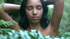 Κλείστε επάνω την άποψη του όμορφου σώματος γυναικών απόθεμα βίντεο