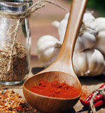 Κλείστε επάνω την εικόνα πολλή κόκκινη - καυτά πιπέρια τσίλι και πικάντικος, γ Στοκ φωτογραφία με δικαίωμα ελεύθερης χρήσης