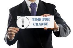 Κλείστε επάνω την εκμετάλλευση επιχειρηματιών ή πωλητών στα χέρια που ενισχύουν - γυαλί και έγγραφο με το χρόνο για το μήνυμα αλλ Στοκ Εικόνες