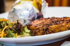Κλείστε επάνω την μπριζόλα χοιρινού κρέατος Στοκ φωτογραφίες με δικαίωμα ελεύθερης χρήσης
