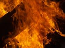 Κλείστε επάνω την πυρά προσκόπων Στοκ εικόνα με δικαίωμα ελεύθερης χρήσης
