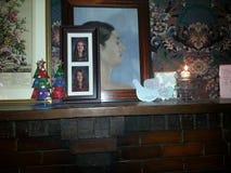 Κλείστε επάνω της κορνίζας τζακιού Χριστουγέννων στοκ εικόνες με δικαίωμα ελεύθερης χρήσης