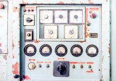 Κλείστε επάνω τον αγροτικό πίνακα ελέγχου της παλαιάς μηχανής, grunge αντικείμενο Στοκ Εικόνες