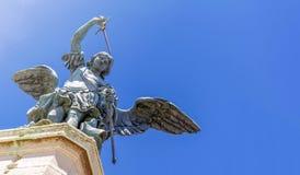 Κλείστε επάνω του αγγέλου χαλκού στην κορυφή Castel Sant Angelo μέσα Στοκ Εικόνες