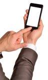 Κλείστε επάνω του ατόμου χρησιμοποιώντας το κινητό έξυπνο τηλέφωνο Στοκ εικόνα με δικαίωμα ελεύθερης χρήσης