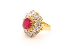 Κλείστε επάνω του δαχτυλιδιού διαμαντιών στοκ φωτογραφία