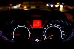 Κλείστε επάνω του μετρητή αυτοκινήτων Στοκ φωτογραφίες με δικαίωμα ελεύθερης χρήσης