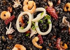 Κλείστε επάνω του πιάτου θαλασσινών νέγρων arroz Στοκ Εικόνες