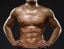 Κλείστε επάνω του στήθους του προκλητικού αρσενικού Στοκ Εικόνες