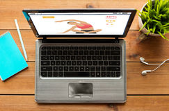 Κλείστε επάνω του φορητού προσωπικού υπολογιστή με την ικανότητα app Στοκ εικόνες με δικαίωμα ελεύθερης χρήσης