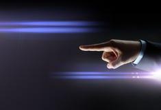 Κλείστε επάνω του χεριού επιχειρηματιών δείχνοντας το δάχτυλο Στοκ φωτογραφία με δικαίωμα ελεύθερης χρήσης