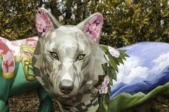 Κλείστε επάνω του colorfully χρωματισμένου προσώπου λύκων Στοκ Εικόνες