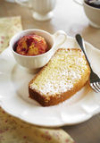 Κλείστε επάνω το βουτύρου κέικ και το παγωτό Στοκ φωτογραφία με δικαίωμα ελεύθερης χρήσης