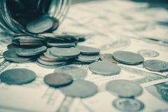 Κλείστε επάνω το νόμισμα και τα χρήματα Στοκ Φωτογραφία